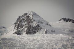 La vista de la nieve capsuló los alpes, dolomías en Italia Paisaje fotografía de archivo