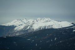 La vista de la nieve capsuló los alpes, dolomías en Italia Paisaje fotos de archivo