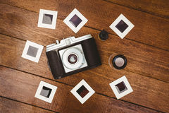 La vista de una cámara vieja con las fotos resbala Fotos de archivo