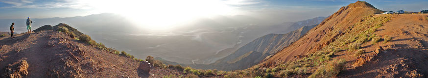 La vista Death Valley di Dante trascura - il panorama fotografia stock