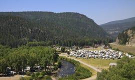 Campeggio della località di soggiorno di festa di rv Fotografia Stock
