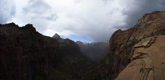 La vista del canyon trascura Immagini Stock