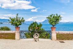 La vista del lago Maggiore de la isla Bella, es una de las islas de Borromean, Italia Fotografía de archivo libre de regalías