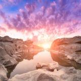 La vista del paesaggio della natura delle dune di sabbia e la roccia sistemano Immagini Stock Libere da Diritti