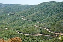 La vista del paesaggio delle colline di Sithonia con le strade Fotografia Stock