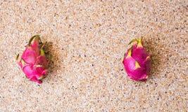 La vista del primo piano del drago maturo fresco fruttifica Pitaya Concetto dell'alimento con lo spazio della copia Fotografia Stock