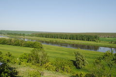 La vista del río pone Imagen de archivo libre de regalías