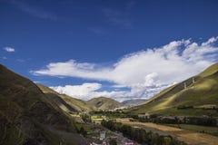 la vista della cima della montagna nel tibetano Fotografia Stock Libera da Diritti