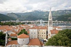 La vista della città di Budua dalla vecchia cittadella Fotografie Stock Libere da Diritti
