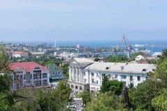 La vista della città di Sebastopoli dalle altezze della collina di Malakhov Fotografia Stock Libera da Diritti