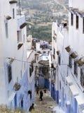 La vista della via dentro chaouen morocco immagine stock libera da diritti