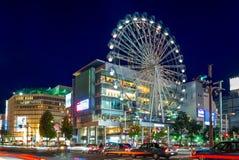 La vista della via di Nagoya con i ferris spinge dentro il Giappone fotografia stock