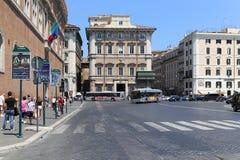 La vista della via a Roma, Italia fotografia stock