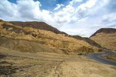 La vista di alluna, fondo himalayano della montagna, Ladakh, il Jammu e Kashmir, India Immagini Stock Libere da Diritti