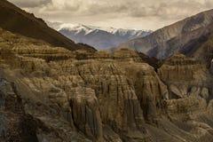 La vista di alluna, fondo himalayano della montagna, Ladakh, il Jammu e Kashmir, India Immagini Stock