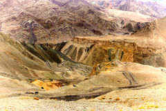 La vista di alluna, Lamayuru, Ladakh, il Jammu e Kashmir, India Immagini Stock