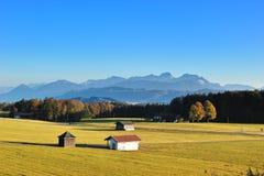 La vista di Alpes dalla Germania nella stagione di autunno Fotografia Stock Libera da Diritti