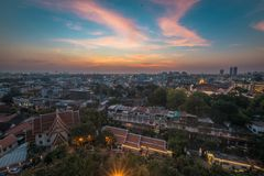 La vista di Bangkok, dalla cima di Wat Saket, a Bangkok Immagine Stock