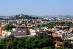 La vista di Cagliari con il castello, la capitale della Sardegna, Italia Fotografia Stock