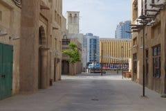 La vista di Dubai Creek uno dei city's la maggior parte delle zone turistiche popolari, Al Seef è l'ultimo progetto mira a racc fotografie stock libere da diritti
