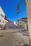 La vista di Garmisch-Partenkirchen con un centro ha riempito di dipinto di Fotografia Stock Libera da Diritti