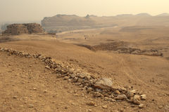 La vista di Giza vicino alle piramidi Immagini Stock Libere da Diritti