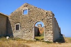 La vista di Nossa Senhora fa la chiesa di Cabo attraverso la entrata dentro Fotografia Stock Libera da Diritti