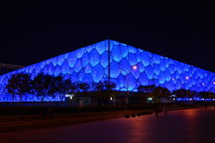 La vista di notte del centro di nuoto nazionale di Pechino Fotografia Stock