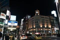 La vista di notte del ginza trascura dalla stazione della metropolitana Fotografia Stock