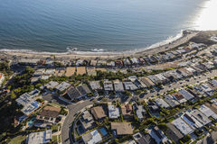 La vista di oceano di Pacific Palisades Los Angeles si dirige l'antenna Fotografie Stock