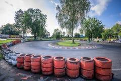 La vista di panorama della pista svizzera di campionato del kart dentro wohlen fotografia stock