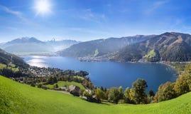 La vista di panorama sopra Zell vede, l'Austria Fotografia Stock Libera da Diritti