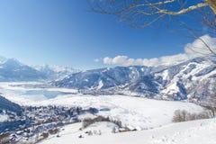 La vista di panorama sopra Zell vede, l'Austria Immagini Stock Libere da Diritti