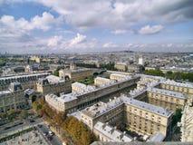 La vista di Parigi sopra cita l'isola in luce del giorno. Fotografia Stock Libera da Diritti