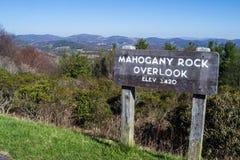 """La vista di roccia di mogano trascura elevazione del †""""3420 piedi fotografia stock"""