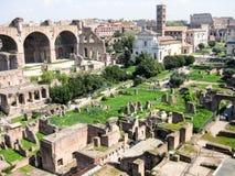La vista a forum romano a Roma fotografia stock libera da diritti