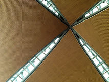 La vista interna di un tetto dell'aeroporto Fotografia Stock