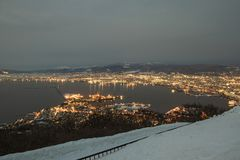 La vista nocturna de Hakodate del soporte Hakodate en la estación del invierno fotos de archivo libres de regalías