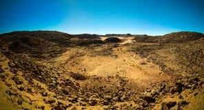 La vista panorámica aérea a la montaña del EL Berdj y el ergio gorge en el parque nacional del nAjjer de Tassili, Argelia Fotos de archivo