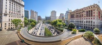La vista panorámica de la opinión de 23 de Maio Avenue de la visión desde Viaduto hace Cha Tea Viaduct - Sao Paulo, el Brasil Fotografía de archivo libre de regalías