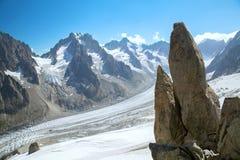 La vista panoramica del ghiacciaio nel massiccio di Mont Blanc Immagini Stock