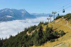 La vista panoramica della montagna magnifica Zugspitze dalla cima del supporto Wank in Garmisch Partenkirchen, Baviera, Germania Fotografie Stock Libere da Diritti