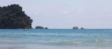 La vista panoramica della spiaggia del parco nazionale di Manuel Antonio in Costa Rica, la maggior parte di belle spiagge nel mon Fotografie Stock