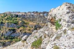 La vista panoramica delle pietre tipiche alloggia Sassi di Matera della capitale europea dell'Unesco di Matera di cultura 2019 so Immagini Stock Libere da Diritti