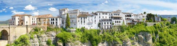 La vista panoramica di Ronda alloggia, sopra la scogliera, Ronda Malaga, Spagna Fotografia Stock