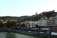 La vista panoramica di vecchia Tbilisi, parti di Georgia With di Città Vecchia vedute sotto Fotografia Stock