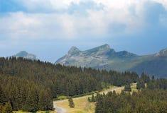 La vista panoramica in montagna vicino da Avoriaz Immagine Stock