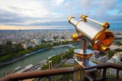 La vista a Parigi e Seine da Effeil torreggiano su Fotografie Stock