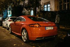 La vista posterior de Audi TT parqueó en una calle francesa fotografía de archivo libre de regalías