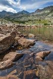 La vista stupefacente dei laghi Musalenski e Musala alzano, montagna di Rila Immagini Stock